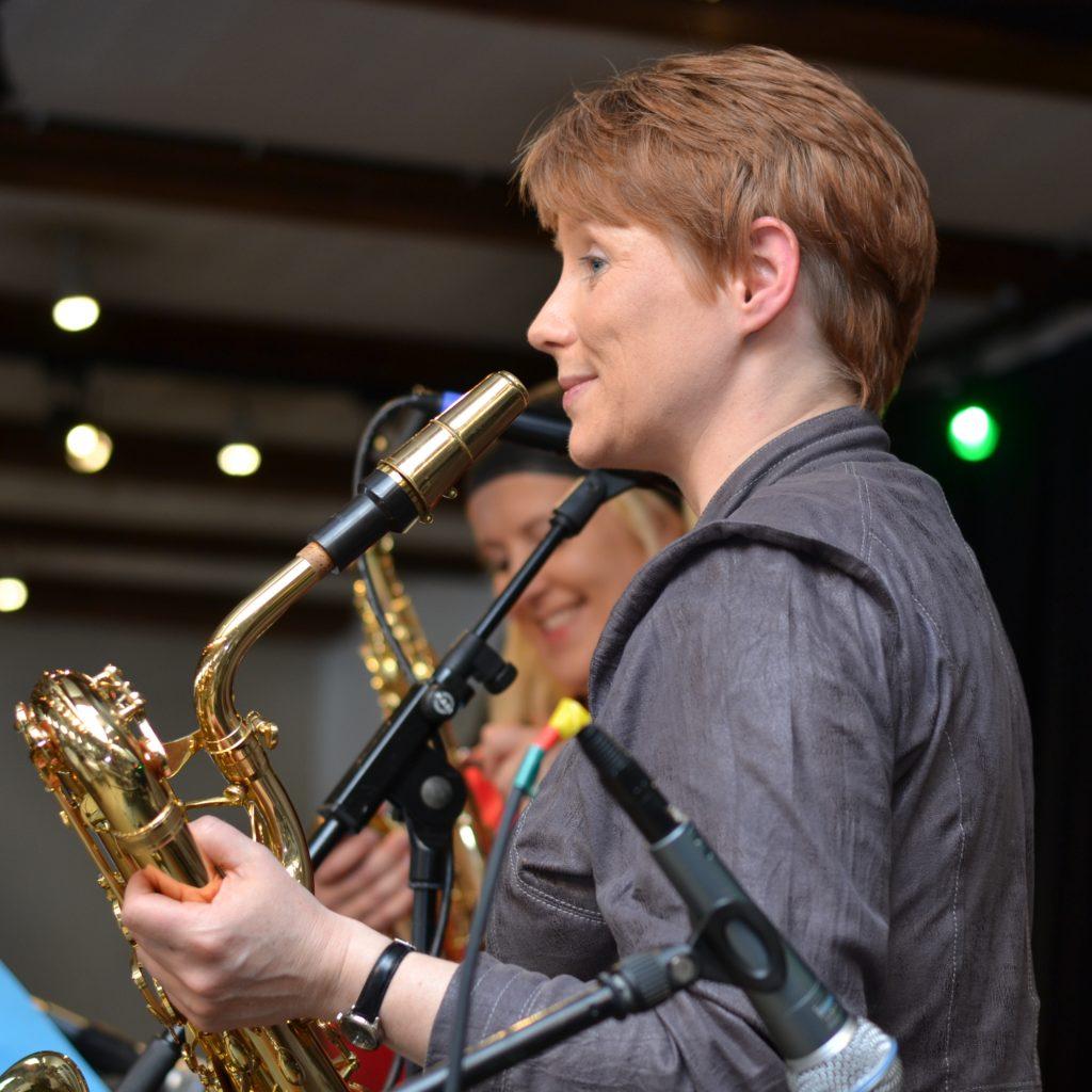 Sarah Elgeti og Marianne_danish female saxophone players