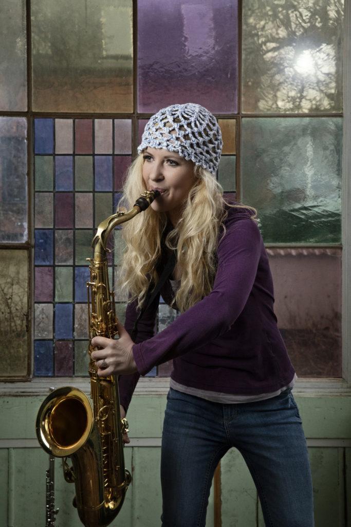 Sarah Elgeti_playing the saxophone_women in jazz_denmark